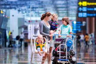 How to make flying with children as enjoyable as possible for everyone?